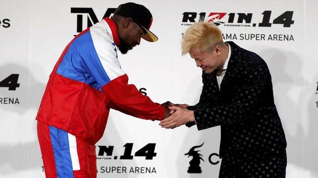 Lawan Kickboxer Jepang, Mayweather Diejek McGregor