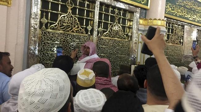 Cungkup Makam Nabi Muhammad di Masjid Nabawi.