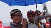 Suasana kesedihanbegitu terasa di pelupuk-pelupuk mata mayoritas keluarga korban yang ikut melaut ke titik lautan ditemukannya puing-puing dan korban Lion Air JT-610.(CNN Indonesia/Adhi Wicaksono)