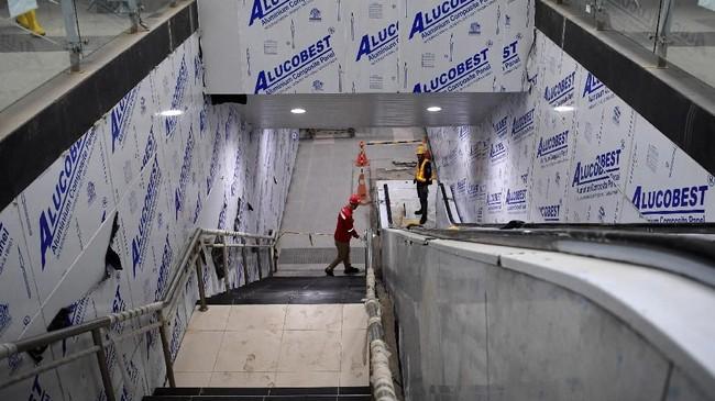 Progres pembangunan MRT Jakarta fase I ini sudah mencapai 96,5 persen dan ditargetkan dapat beroperasi pada Maret 2019. (ANTARA FOTO/Wahyu Putro)