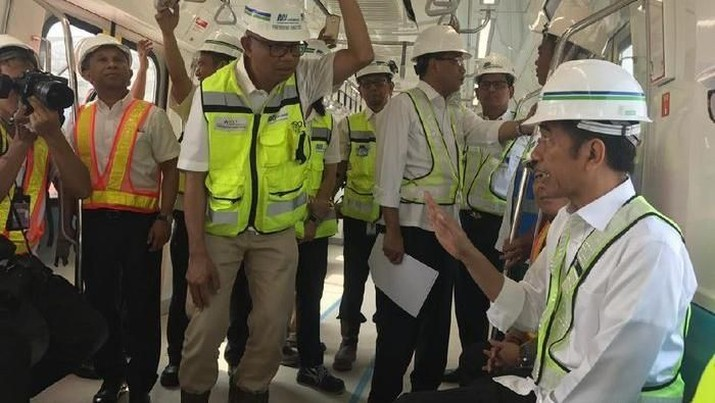 Pertama Kali, Jokowi Jajal MRT Jakarta