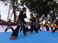 Pencak Silat dan Tari Piring Meriahkan Tour de Singkarak