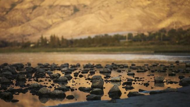 Perairan Galilee berada di utara Israel, berbatasan dengan Dataran Tinggi Golan, Galilee dan Lembah Yordania.