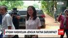 Atiqah Hasiholan Menjenguk Ratna Sarumpaet ke Rutan Polda