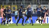 Skor 1-1 bertahan hingga akhir pertandingan. Barcelona memastikan tiket babak 16 besar sedangkan Inter Milan masih unggul tiga angka dari Tottenham Hotspur. (REUTERS/Daniele Mascolo)