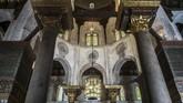 Masjid Qalawun dengan eksterior dan interior yang menawan.