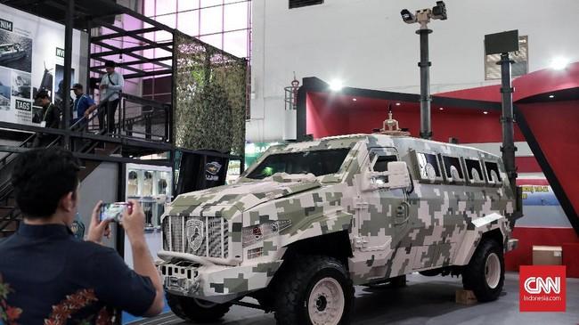 Indo Defence 2018 merupakan gelaran yang kedelapan lagi, hasil kerja sama Kementerian Pertahanan dengan PT Napindo Media Ashatama. (CNN Indonesia/Andry Novelino)
