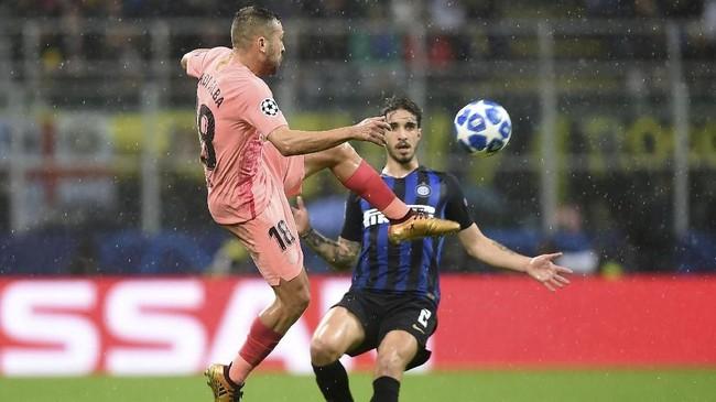 Inter Milan menjamu Barcelona di Giuseppe Meazza, Selasa (6/11) waktu setempat. Pada laga sebelumnya, Inter tumbang 0-2 di markas Barcelona.(REUTERS/Daniele Mascolo)