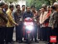 Jokowi Disebut Pimpin Parade Kendaraan Listrik di Monas
