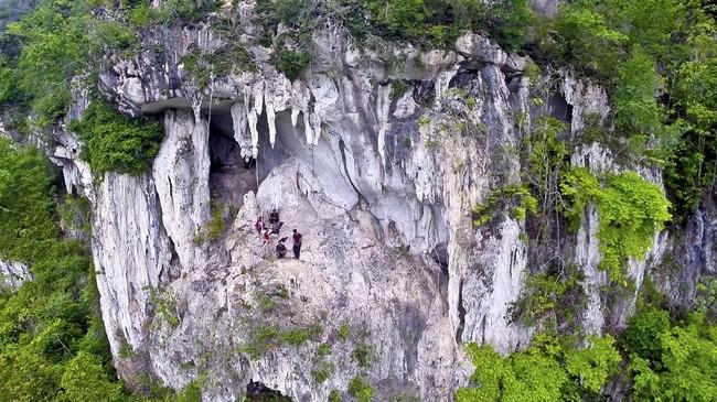 Asisten peneliti, Adhi Agus Oktaviana mengatakan bahwa penemuan ini memberikan kesan bahwa tradisi menggambar cadas di zaman es atau Paleolitik muncul di Kalimantan.(Arkenas/Pindi Setiawan)