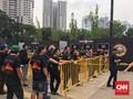 Penonton Konser Guns N Roses Mulai Padati Arena GBK Jakarta