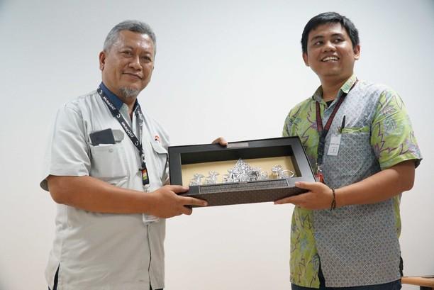 42 UKM YDBA Kunjungi Pabrik PT GS Battery di Semarang