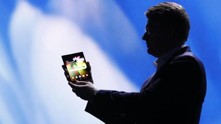 Samsung Luncurkan Video Ponsel Layar Lipat, Dijual Tahun ini?