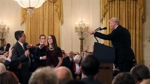 Hakim AS Minta Gedung Putih Kembalikan Akses Wartawan CNN
