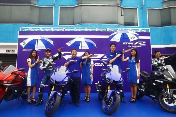 Menguji Yamaha R25 Baru di Sentul