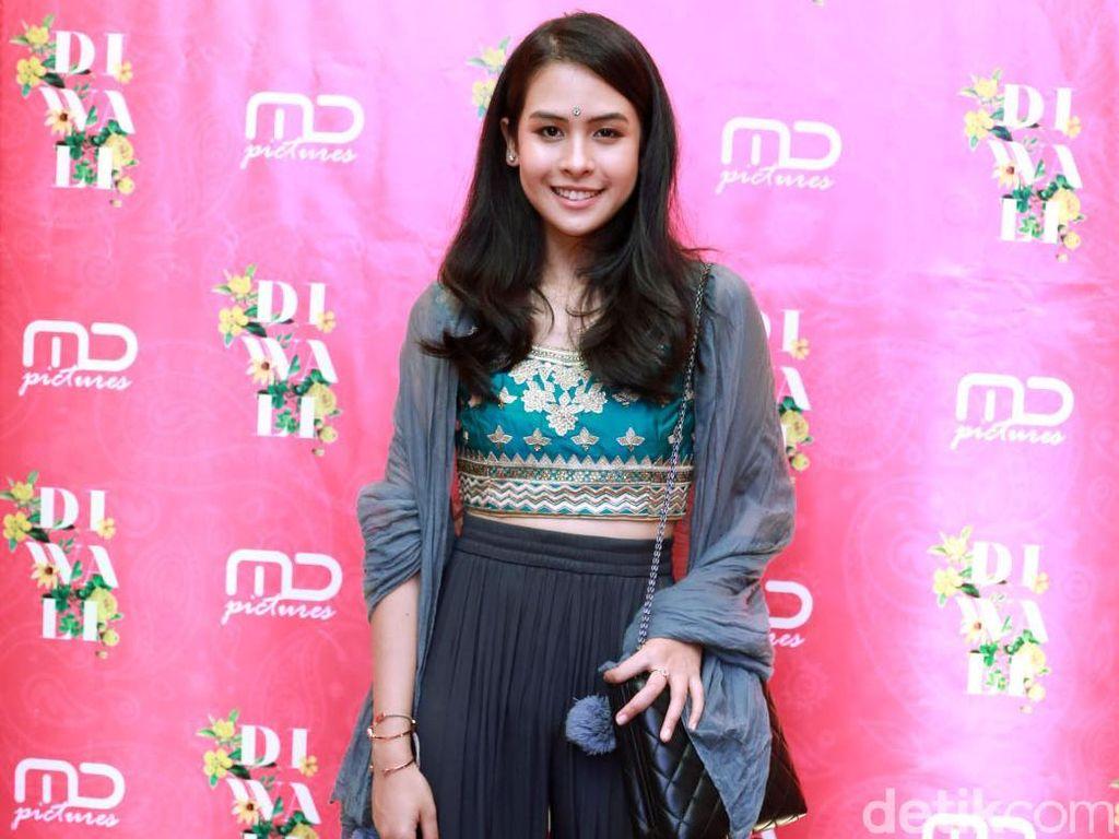 Maudy Ayunda saat menghadiri sebuah acara di kawasan Setiabudi, Jakarta Selatan pada Rabu (7/11) malam.Pool/Ismail/detikFoto.