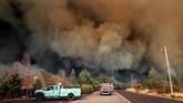 Kebakaran hutan menghancurkan Kota Paradise, utara California, Amerika Serikat, hingga memaksa sedikitnya 26 ribu orang dievakuasi. (Justin Sullivan/Getty Images/AFP)