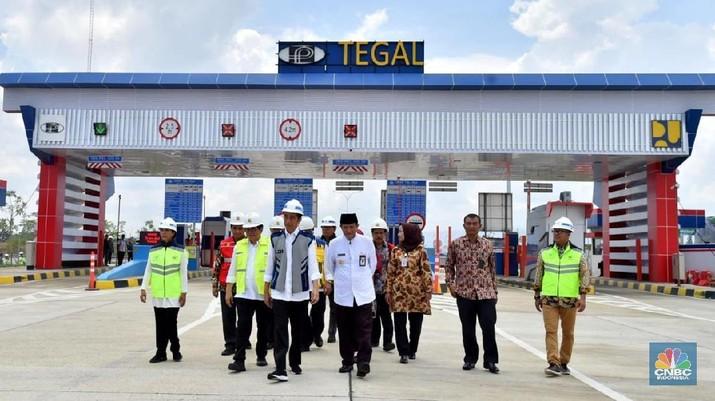 Jokowi Resmikan Tol Pejagan-Pemalang dan Pemalang-Batang (Setpres RI)