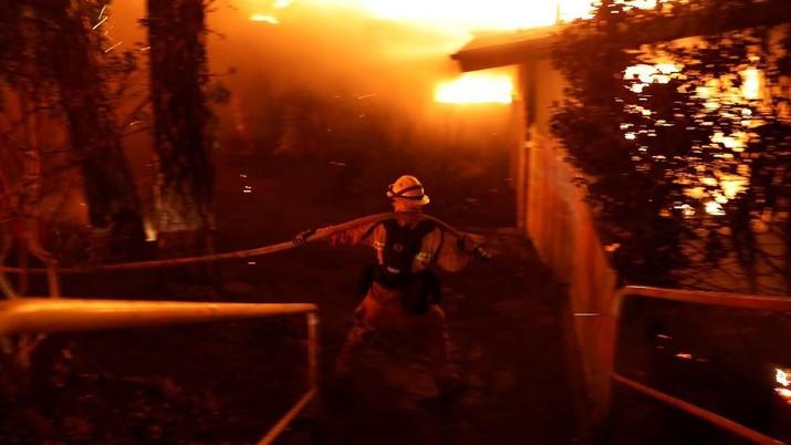 Kebakaran Hutan Hebat Landa California