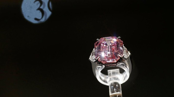 Indahnya Pink Legacy, Berlian yang Dilelang Rp 735 M