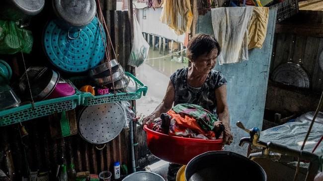 Sebagian warga sebenarnya masih enggan untuk berpindah, tapi sadar ada kepentingan bisnis yang besar yang meminta mereka untuk angkat kaki.(AFP/Nguyen)