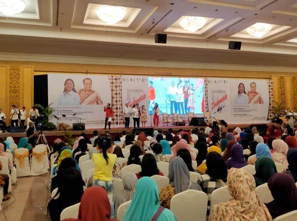 Kedua Menteri Kabinet Kerja itu hadir untuk memberikan paparan terkait dengan pembangunan Indonesia yang sudah dilakukan oleh Presiden Joko Widodo.