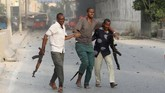 Pejabat keamanan Somalia Abdulahi Ahmad menyebut sebagian besar korban adalah warga sipil. (REUTERS/Feisal Omar)