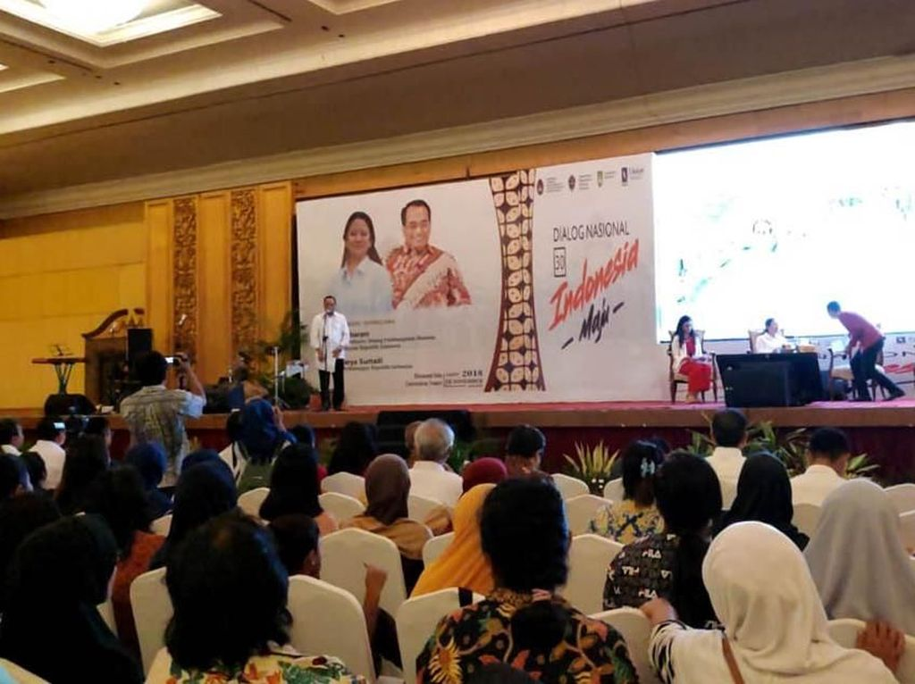 Menhub mengatakan dirinya bersemangat karena mengikuti pola kerja presiden yang tidak ada tanggal merah. Menurutnya, kerja presiden menginspirasi dirinya untuk berbakti kepada rakyat Indonesia.