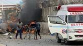 Para saksi mengatakan ledakan datang dari seorang pembom bunuh diri.(REUTERS/Feisal Omar)