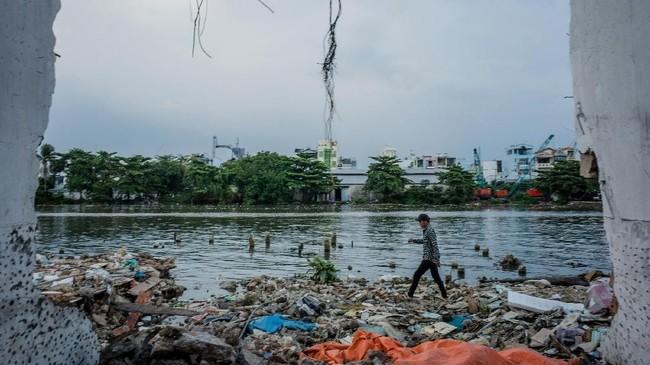 Rencananya, 20 ribu rumah yang tersisa akan dibongkar pemerintah pada 2020. (AFP/Kao Nguyen)