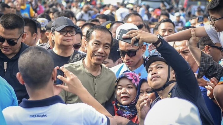 Blusukan Sama Kang Emil di Bandung, Jokowi: Harga-harga Sama!