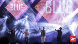 Konser 'Karaoke' Blue di The 90s Festival