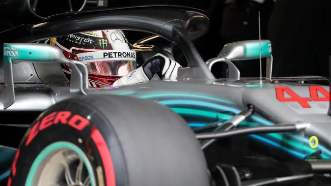 Hamilton Raih Pole Position di F1 GP Brasil