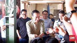 Jokowi Belanja Ubi Hingga Daun Pepaya di Pasar Cihaur Geulis