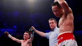 FOTO: Daud Yordan Dikalahkan Petinju Tuan Rumah Inggris
