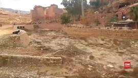 VIDEO: Banjir Bandang di Kota Kuno Petra Tewaskan 11 Orang