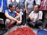 Tim Jokowi Tuding 'Drama' Sandi Bahayakan Pedagang Pasar