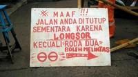 VIDEO: Jalur Alternatif Bekasi-Jakarta di Cipayung Longsor