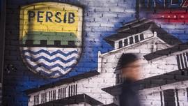 Polisi Buru Penyerang 'Hit and Run' Bus Persib di Sentul