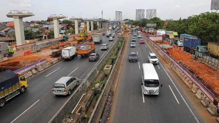 Jumlah kendaraan yang tinggalkan Jakarta pada liburan Natal ini meningkat 58% dari tahun lalu.