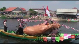 VIDEO: Parade Perahu Hias di Sungai Bengawan Solo