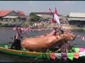 VIDEO: Parade Perahu Hias di Sungai Bengawan Solo