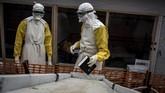 Ebola yang mewabah di Kongo bagian timur ini merupakan gelombang kedua setelah sebelumnya merenggut 125 nyawa di Mangina. (Photo by John WESSELS/AFP)