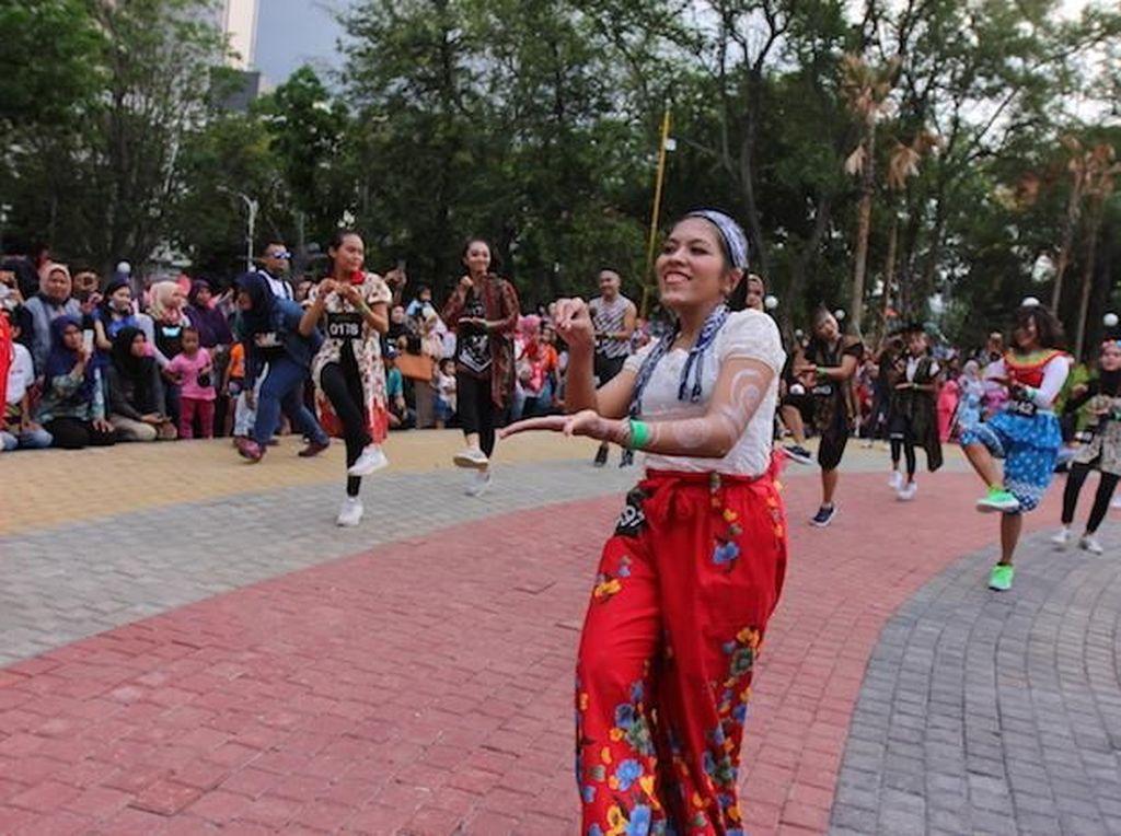 Khusus di Kota Semarang yang baru kali pertama menggelar even ini, tercatat ada 300 penari baik perorangan maupun kelompok yang ikut berpartisipasi. Istimewa.