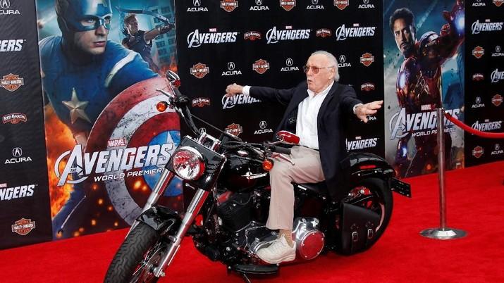 Stan Lee, si kreator superhero legendaris