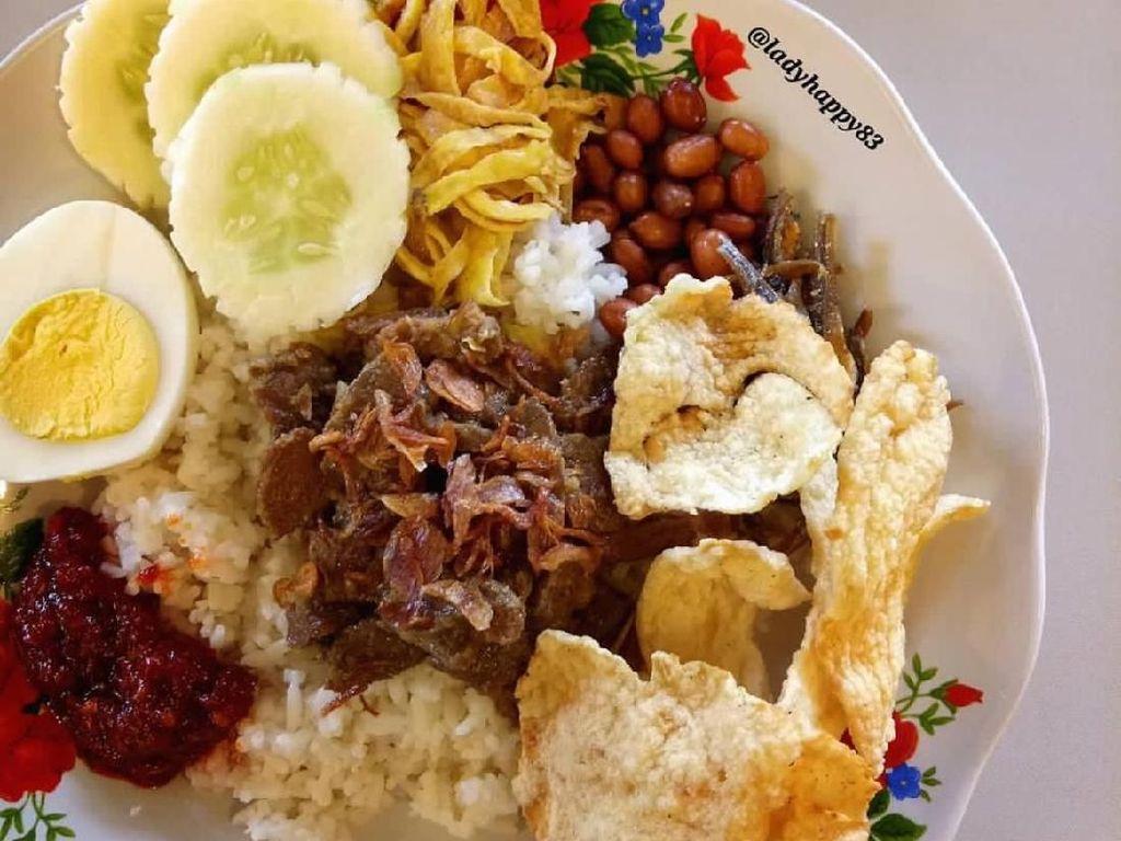 Sarapan Nasi Gemuk Khas Jambi yang Bikin Puas dan Perut Kenyang