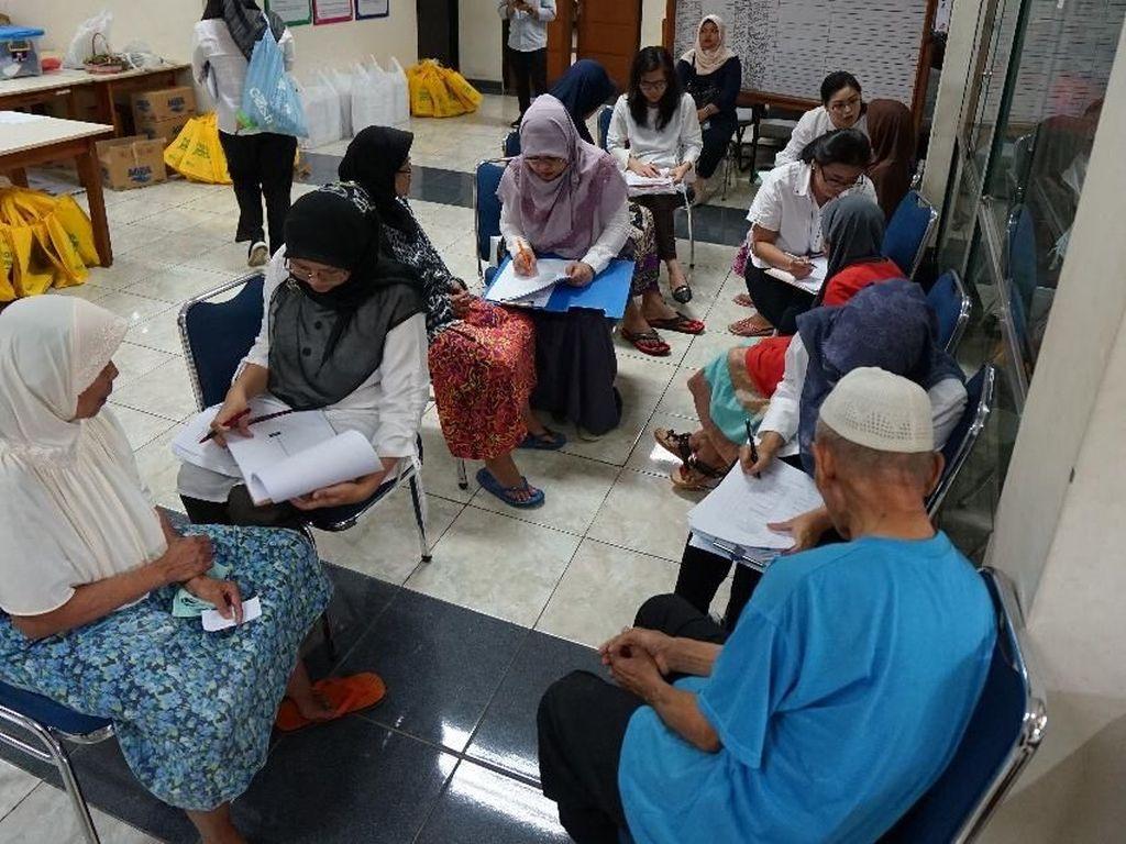 Pelayanan Kesehatan untuk Lansia, dari Vaksinasi Hingga Status Gizi