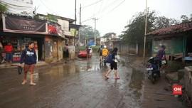 VIDEO: Mulai Surut, Banjir Kabupaten Bandung Sisakan Lumpur