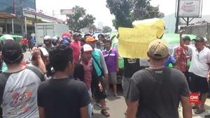 VIDEO: Protes Angkot Modern, Supir Angkot Bogor Demo