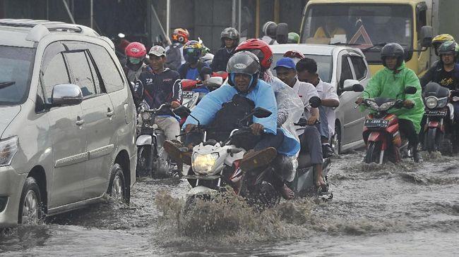 Dishub DKI Lakukan Rekayasa Lalu Lintas di 305 Titik Banjir